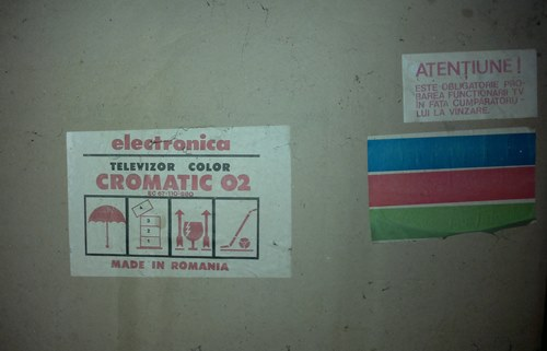 Cutie televizor color Cromatic 02