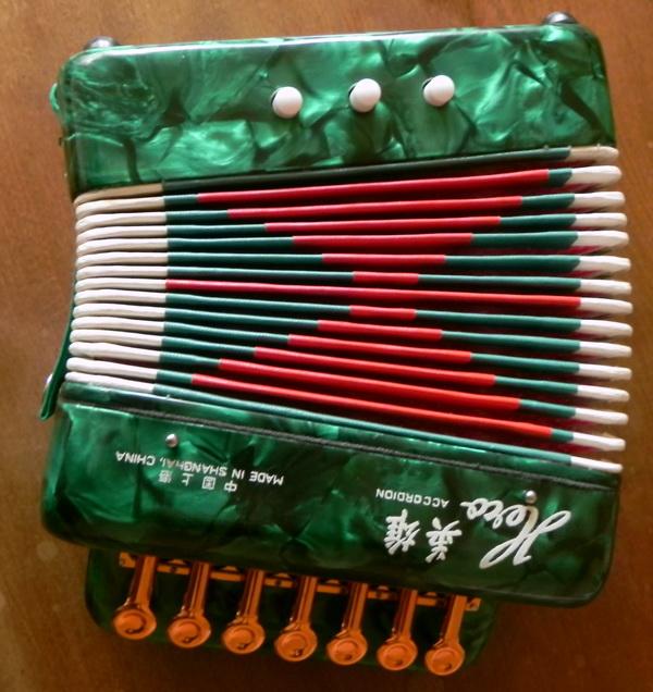 mini acordeon